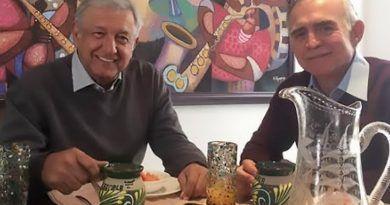 AMLO dijo que Alfonso Romo seguirá como enlace con empresarios y desaparecerá la oficina de la Presidencia