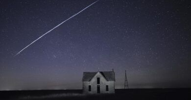 Luces en cielo impactan a residentes, molestan a astrónomos
